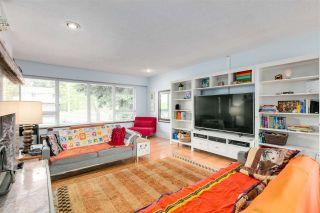 Photo 6: 13870 BLACKBURN Avenue: White Rock House for sale (South Surrey White Rock)  : MLS®# R2592352