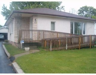 Photo 1: 297 BELIVEAU Road in WINNIPEG: St Vital Single Family Detached for sale (South East Winnipeg)  : MLS®# 2708759