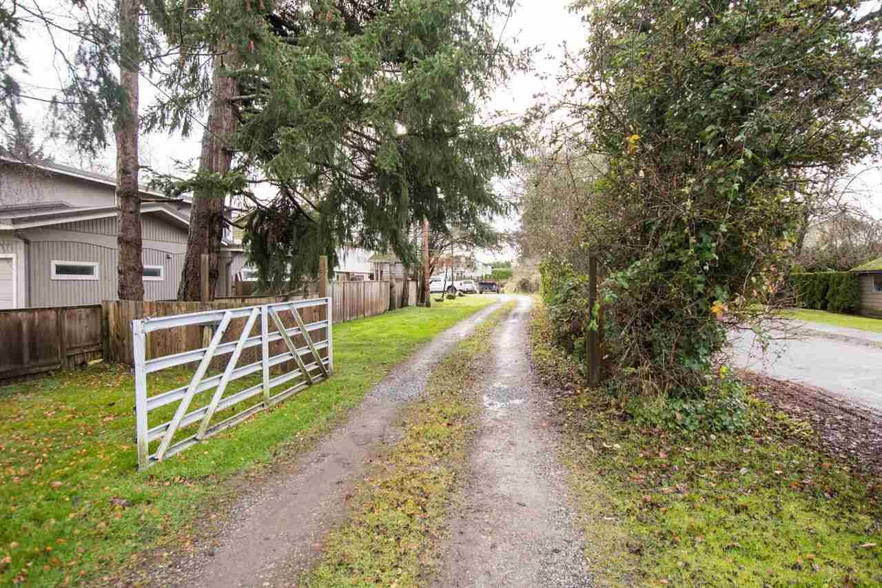 Main Photo: 5642 GROVE Avenue in Delta: Hawthorne House for sale (Ladner)  : MLS®# R2523216