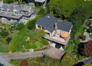 Photo 9: 937 ANDERSON Crescent in West Vancouver: Sentinel Hill House for sale : MLS®# R2606474