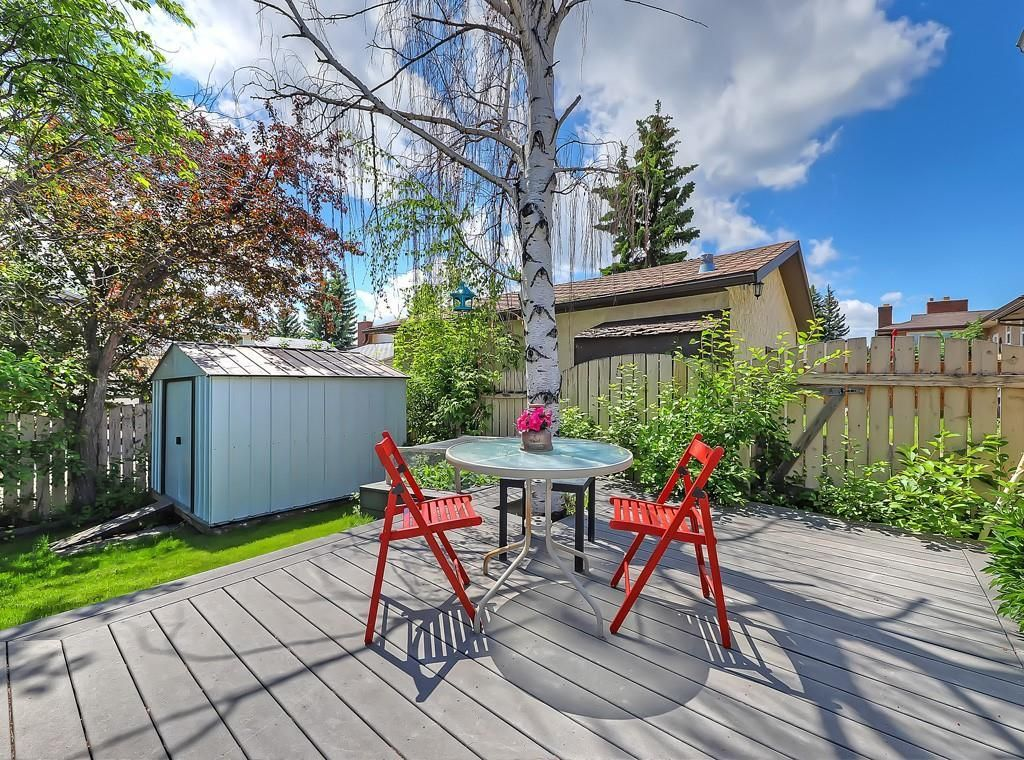 Photo 25: Photos: 7607 68 Avenue NW in Calgary: Silver Springs Detached for sale : MLS®# A1024824