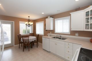 Photo 5: 526 RED WING DRIVE in PENTICTON: Residential Detached for sale : MLS®# 140034