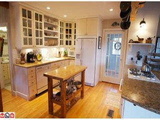 """Photo 4: 14112 MAGDALEN Avenue: White Rock House for sale in """"Marine Drive West"""" (South Surrey White Rock)  : MLS®# F1107184"""
