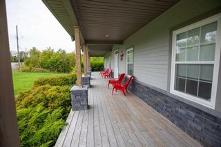 Photo 2: 17 Highland Drive in Ardoise: 403-Hants County Residential for sale (Annapolis Valley)  : MLS®# 202125752