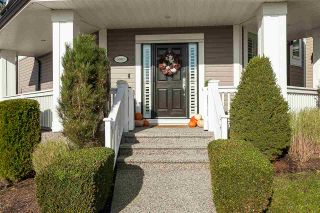 """Photo 2: 6007 164 Street in Surrey: Cloverdale BC House for sale in """"Vistas West"""" (Cloverdale)  : MLS®# R2415621"""