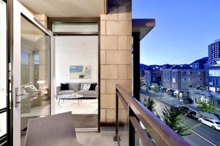 """Photo 10: 410 131 E 3RD Street in North Vancouver: Lower Lonsdale Condo for sale in """"THE ANCHOR"""" : MLS®# R2505772"""