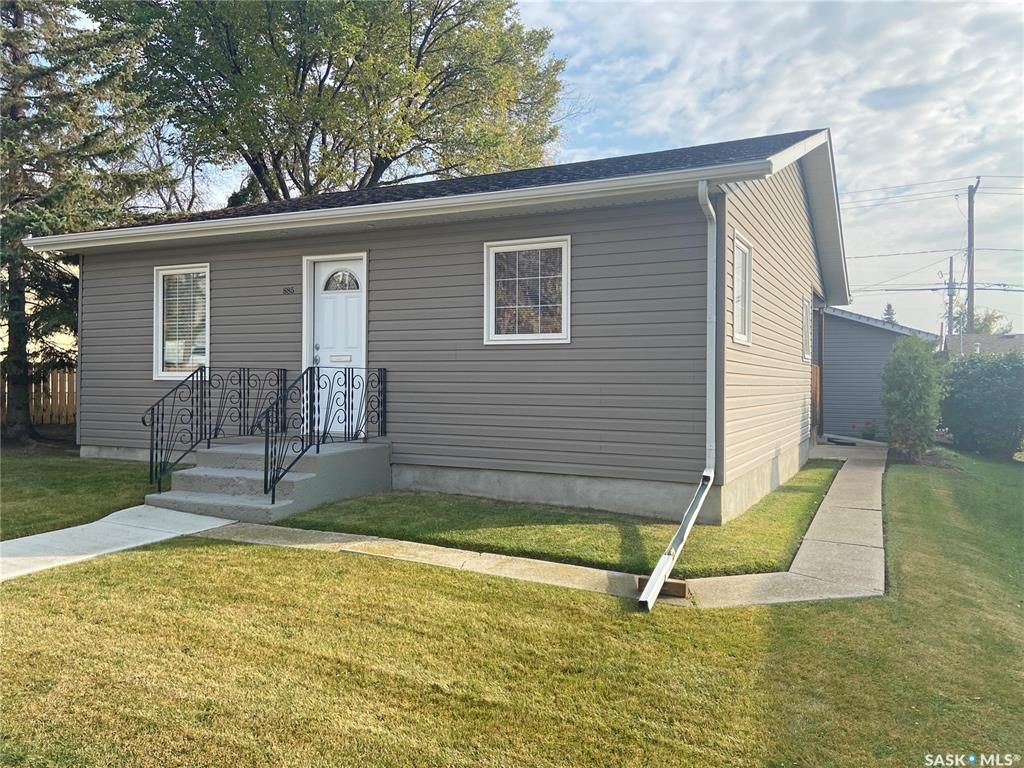 Main Photo: 885 5th Avenue Northwest in Moose Jaw: Central MJ Residential for sale : MLS®# SK873731