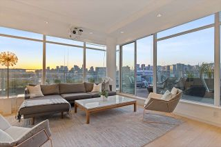"Photo 3: 1101 1661 ONTARIO Street in Vancouver: False Creek Condo for sale in ""SAILS"" (Vancouver West)  : MLS®# R2559779"