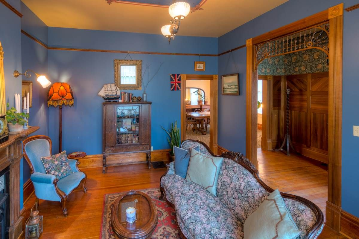 """Photo 10: Photos: 214 FOURTH Avenue in New Westminster: Queens Park House for sale in """"QUEENS PARK"""" : MLS®# R2136258"""