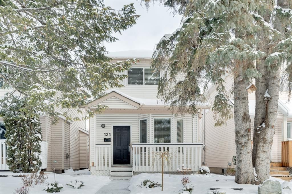 Main Photo: 434 56 Avenue SW in Calgary: Windsor Park Detached for sale : MLS®# A1068050