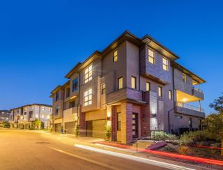 Photo 2: MISSION VALLEY Townhouse for sale : 4 bedrooms : 2725 Via Alta Place in San Diego