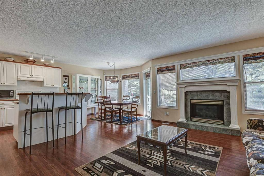Photo 5: Photos: 127 Bridlewood Circle SW in Calgary: Bridlewood Detached for sale : MLS®# A1123607