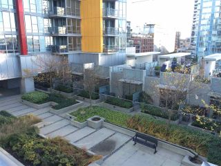 """Photo 6: 510 131 REGIMENT Square in Vancouver: Downtown VW Condo for sale in """"SPECTRUM 3"""" (Vancouver West)  : MLS®# R2016924"""