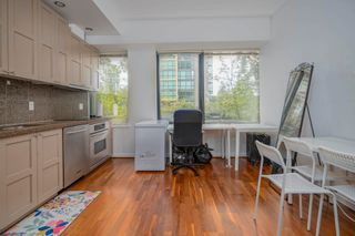 """Photo 2: 413 1333 W GEORGIA Street in Vancouver: Coal Harbour Condo for sale in """"Qube Building"""" (Vancouver West)  : MLS®# R2602829"""