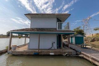 """Photo 6: 23240 DYKE Road in Richmond: Hamilton RI House for sale in """"Waterfront Property with Float Home(s)"""" : MLS®# R2606425"""