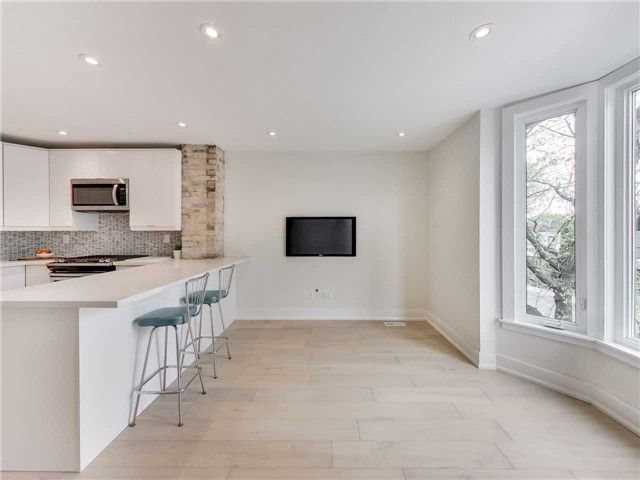 Photo 10: Photos: 601 C Pape Avenue in Toronto: South Riverdale House (2 1/2 Storey) for lease (Toronto E01)  : MLS®# E4139176