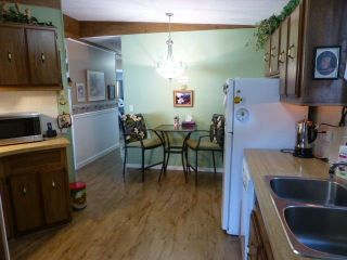 """Photo 9: 31 2305 200 Street in Langley: Brookswood Langley Manufactured Home for sale in """"Cedar Lane"""" : MLS®# R2223523"""