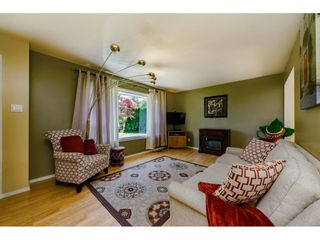 Photo 3: 19455 PARK Road in Pitt Meadows: Mid Meadows House for sale : MLS®# R2373061
