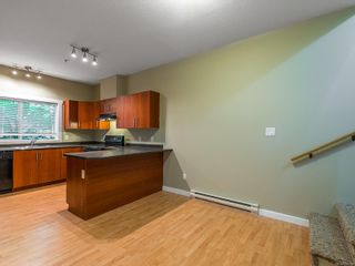 Photo 11: 102 582 Rosehill St in : Na Central Nanaimo Row/Townhouse for sale (Nanaimo)  : MLS®# 886786