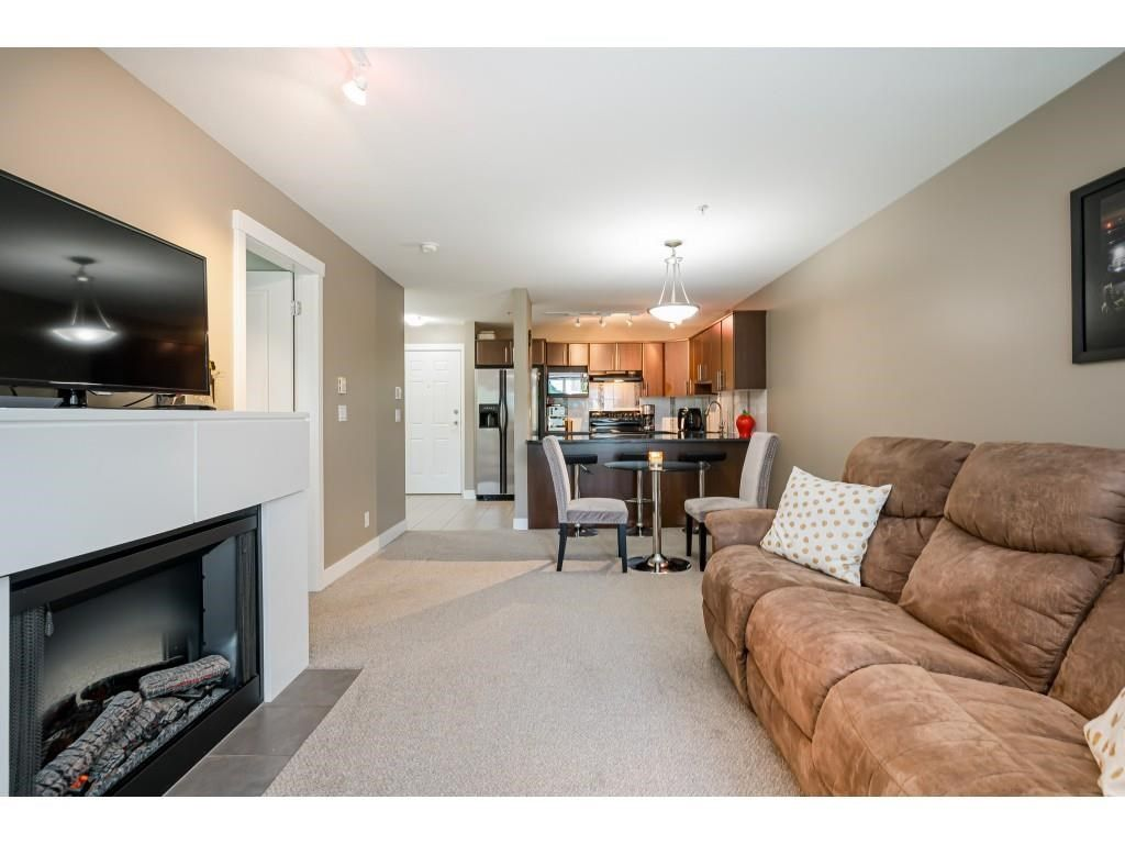 """Photo 13: Photos: 204 19366 65 Avenue in Surrey: Clayton Condo for sale in """"LIBERTY AT SOUTHLANDS"""" (Cloverdale)  : MLS®# R2591315"""