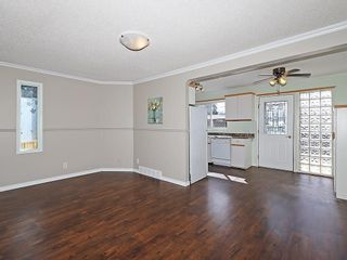 Photo 6: 4535 72 Street NW in Calgary: Bowness House for sale : MLS®# C4163326