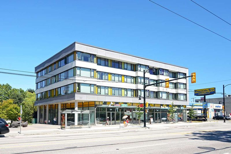 FEATURED LISTING: 502B 2711 KINGSWAY