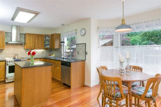 Photo 3: 1080 CLEMENTS Avenue in North Vancouver: Canyon Heights NV House for sale : MLS®# R2298872