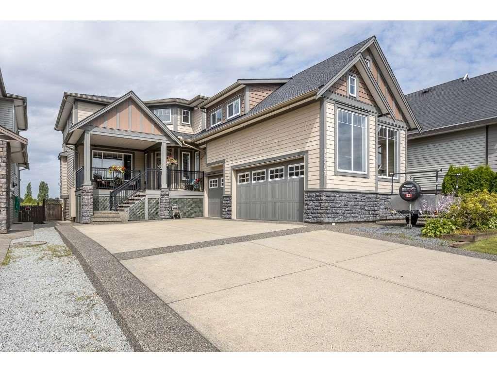 "Photo 2: Photos: 12457 DAVENPORT Drive in Maple Ridge: Northwest Maple Ridge House for sale in ""MCIVOR MEADOWS"" : MLS®# R2483626"