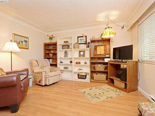 Photo 3: 947 Dunn Ave in VICTORIA: SE Quadra Full Duplex for sale (Saanich East)  : MLS®# 781222