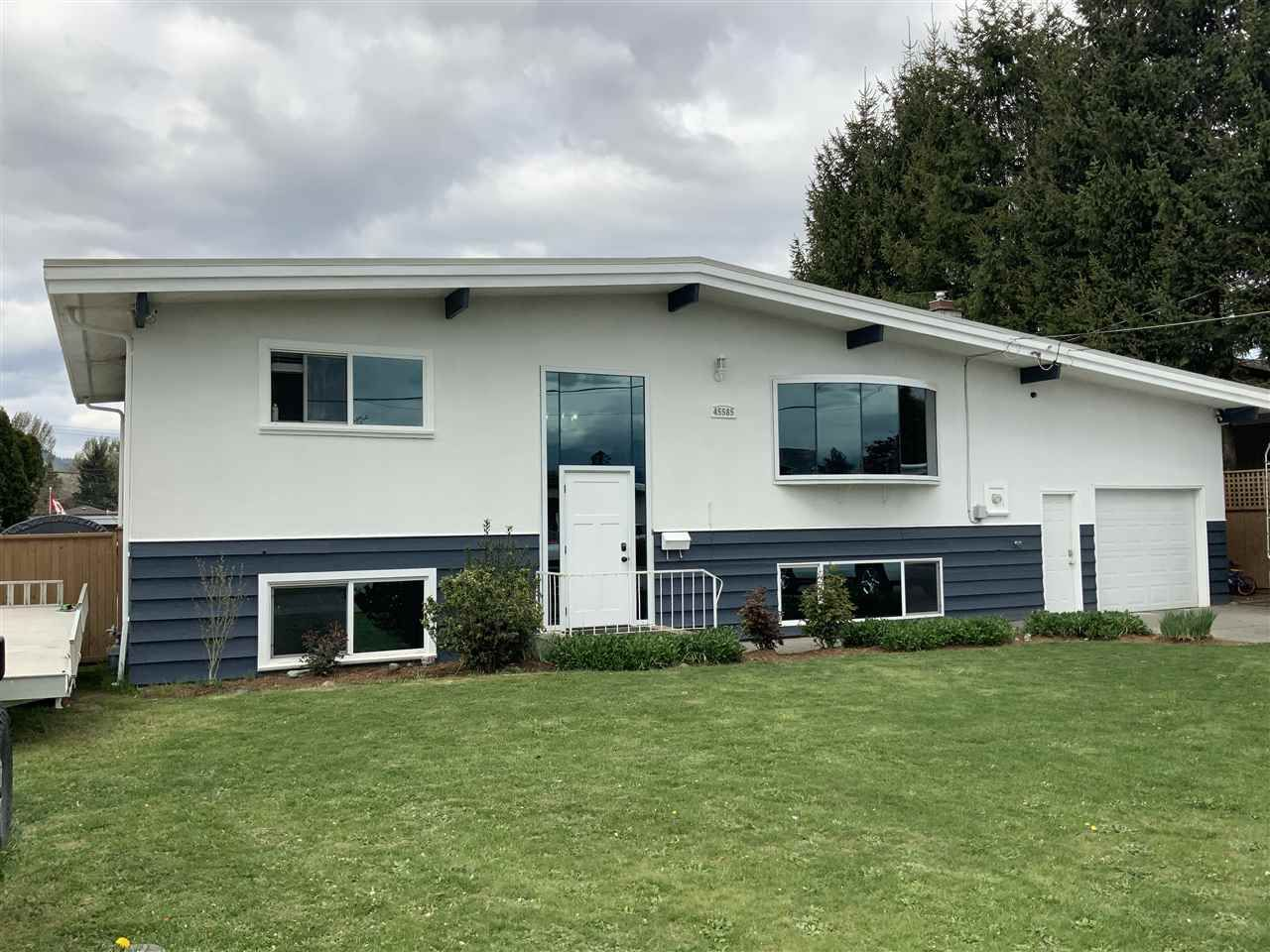 Main Photo: 45585 FERNWAY Avenue in Chilliwack: Chilliwack N Yale-Well House for sale : MLS®# R2452196