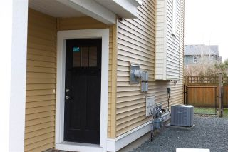 """Photo 2: 16 1640 MACKAY Crescent: Agassiz Townhouse for sale in """"The Langtry"""" : MLS®# R2547679"""