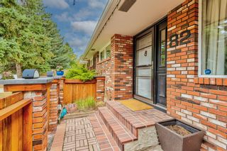 Photo 3: 82 Thornlee Crescent NW in Calgary: Thorncliffe Detached for sale : MLS®# A1146440