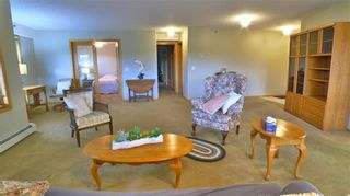Photo 2: 407 7239 SIERRA MORENA Boulevard SW in Calgary: Signal Hill Apartment for sale : MLS®# C4303319