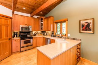 Photo 11: 8 6432 Sunnybrae Canoe Pt Road in Tappen: Steamboat Shores House for sale (Tappen-Sunnybrae)  : MLS®# 10116220