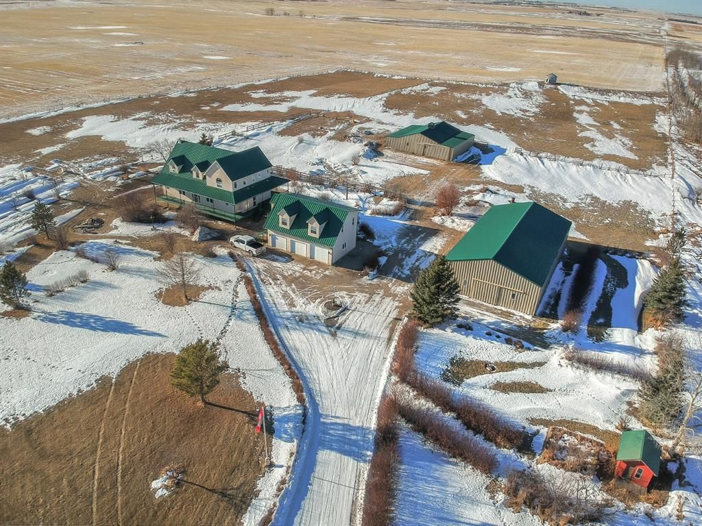 Main Photo: 272255 Range Road 275 in Rural Rocky View County: Rural Rocky View MD Detached for sale : MLS®# A1061309
