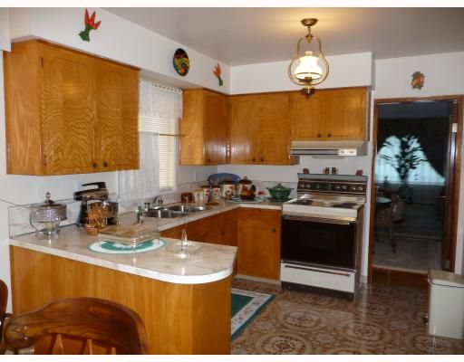 Photo 7: Photos: 1661 E 36TH Avenue in Vancouver: Knight House for sale (Vancouver East)  : MLS®# V782560