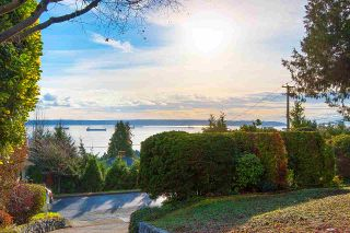 """Main Photo: 2487 QUEENS Avenue in West Vancouver: Queens House for sale in """"Queens, Upper Dundarave"""" : MLS®# R2515663"""