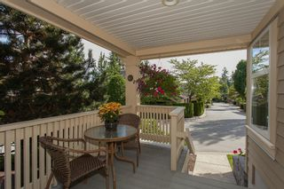 """Photo 8: 1 15450 ROSEMARY HEIGHTS Crescent in Surrey: Morgan Creek Townhouse for sale in """"CARRINGTON"""" (South Surrey White Rock)  : MLS®# R2201327"""