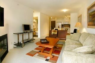 """Photo 3: 907 155 W 1ST Street in North Vancouver: Lower Lonsdale Condo for sale in """"Time"""" : MLS®# R2086762"""