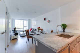 """Photo 4: 716 188 KEEFER Street in Vancouver: Downtown VE Condo for sale in """"188 Keefer"""" (Vancouver East)  : MLS®# R2511640"""
