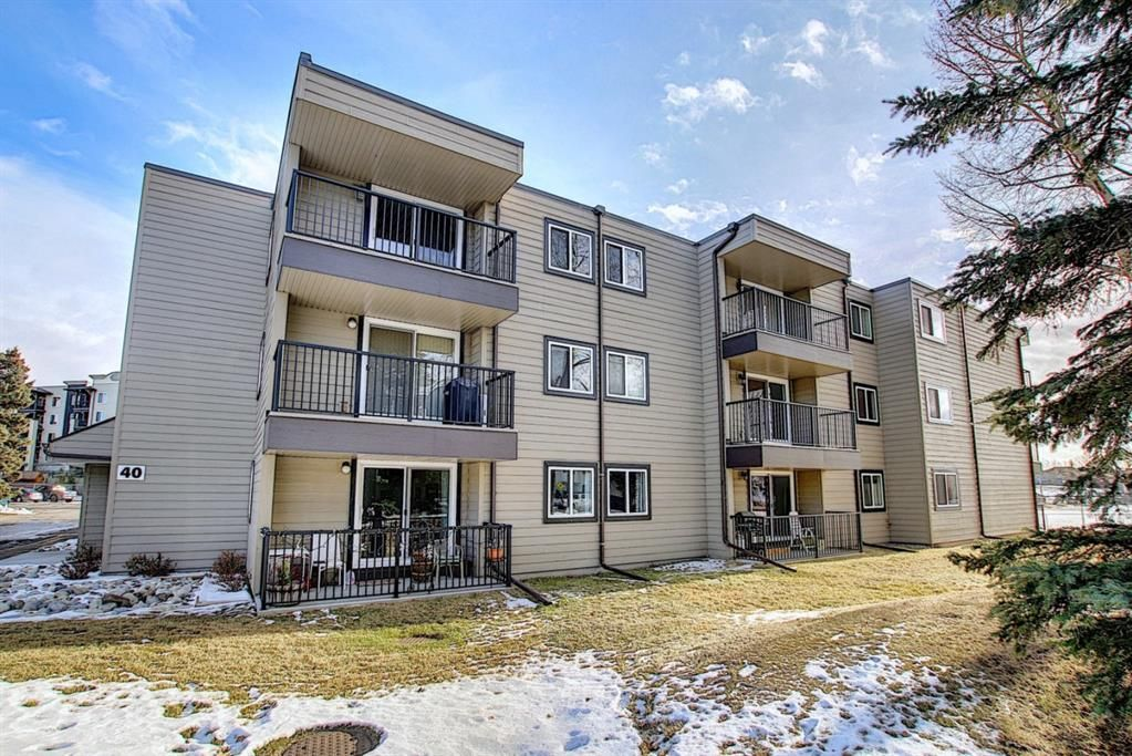 Main Photo: 305 40 Glenbrook Crescent: Cochrane Apartment for sale : MLS®# A1052145