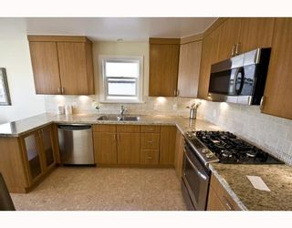 "Photo 5: 4107 DUNDAS Street in Burnaby: Vancouver Heights House for sale in ""VANCOUVER HEIGHTS"" (Burnaby North)  : MLS®# V783153"