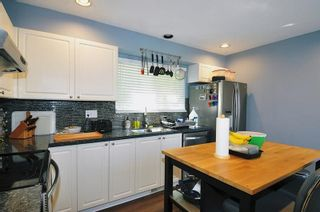 """Photo 3: 1 21801 DEWDNEY TRUNK Road in Maple Ridge: West Central Townhouse for sale in """"SHERWOOD"""" : MLS®# R2612750"""