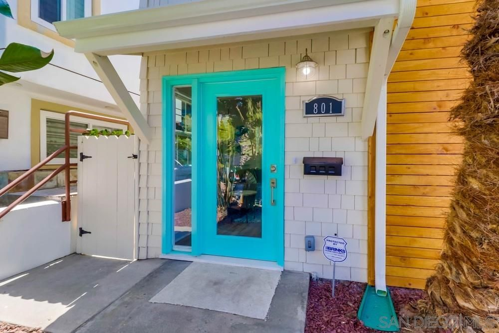 Main Photo: MISSION BEACH House for sale : 2 bedrooms : 801 Whiting Ct in San Diego