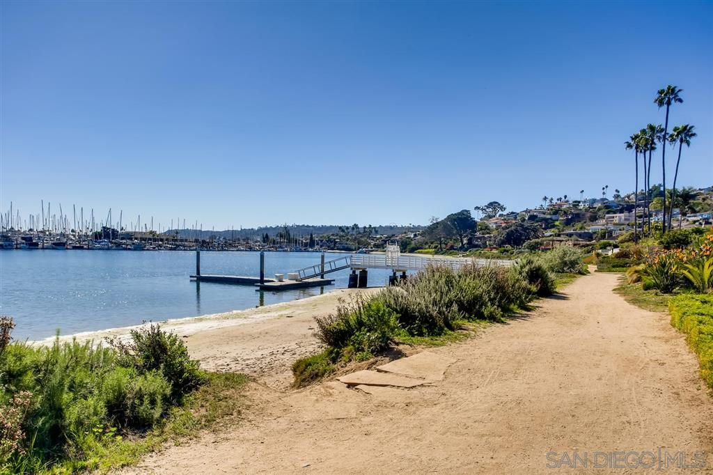 Photo 22: Photos: Condo for sale : 3 bedrooms : 3025 Byron St in San Diego