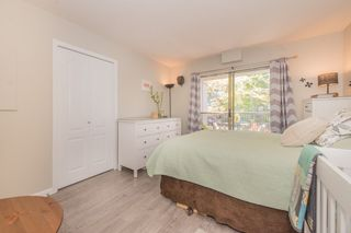 """Photo 8: 208 55 E 10TH Avenue in Vancouver: Mount Pleasant VE Condo for sale in """"Abbey Lane"""" (Vancouver East)  : MLS®# R2169638"""