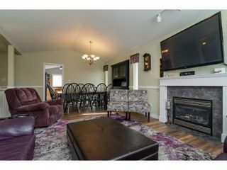 Photo 5: 7982 TOPPER DRIVE in Mission: Mission BC House for sale : MLS®# R2042980