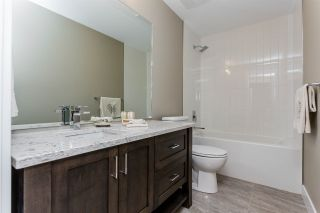 """Photo 5: 604A 2180 KELLY Avenue in Port Coquitlam: Central Pt Coquitlam Condo for sale in """"Montrose Square"""" : MLS®# R2551860"""