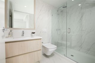 """Photo 13: 210 177 W 3RD Street in North Vancouver: Lower Lonsdale Condo for sale in """"West Third"""" : MLS®# R2487439"""
