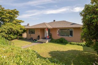 Photo 2: 4714 PARKER Street in Burnaby: Brentwood Park House for sale (Burnaby North)  : MLS®# R2614771